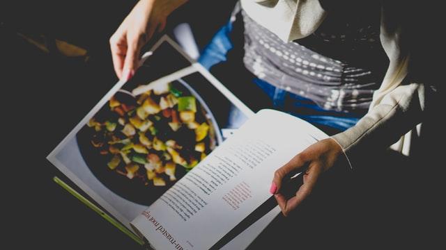 Van kruudmoes tot Diekse stoafpere het Sallands Kookboek is er